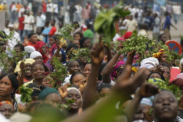 Manifestation à Abobo, le 8 mars 2011, une semaine après la répression de la marche des femmes qui a fait sept victimes.