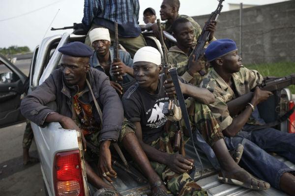 Des soldats fidèles à Ouattara, à Abidjan, en avril 2011.