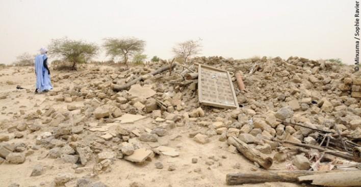Le mausolée de Mohamed Mahmoud du cimetière des trois saints détruit par les extrémistes en 2012.