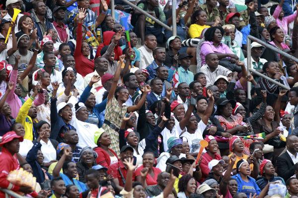 La foule, lors de l'investiture d'Emmerson Mnangagwa à Harare.