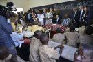 Le président français Macron aux côtés de son homologue burkinabè Roch Marc Christian Kabore, à Ouagadougou, le 28 novembre.
