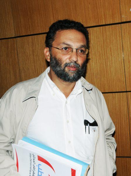 Riadh Ben Fadhi est publicitaire, journalise et directeur de publication de l'édition arabe du mensuel, Le Monde Diplomatique.