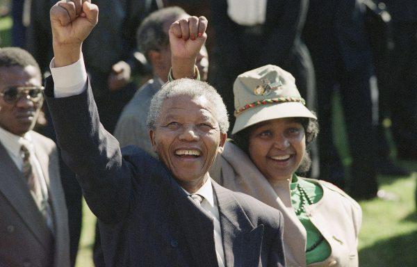Nelson et Winnie Mandela en 1991, le premier vient d'être élu à la tête de l'ANC.