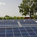 Le premier sommet de l'Alliance solaire internationale (ASI) s'est tenu dimanche 11 mars à New Delhi, en Inde, pour promouvoir l'énergie solaire dans les pays en développement. Ici, des panneaux solaires au Burkina Faso. (Photo d'illustration)