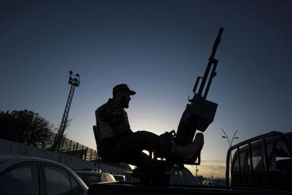 Un soldat de l'armée libyenne à Tripoli, en novembre 2013.