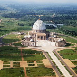La basilique Notre-Dame-de-la-Paix, à Yamoussoukro.