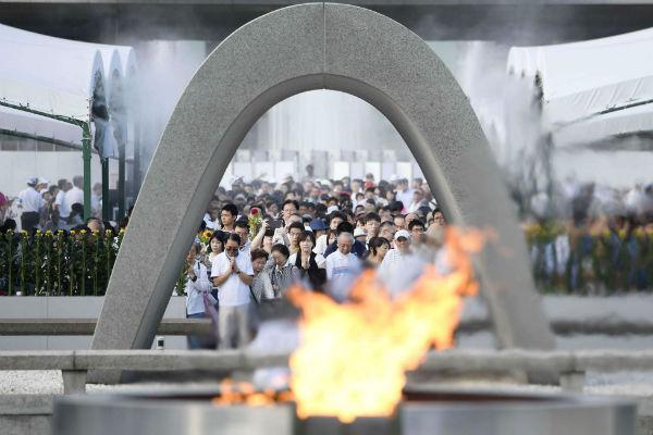 Le 6 août 2017, à Hiroshima. Cérémonie à la mémoire des 140 000 victimes de la bombe larguée sur la ville japonaise par les États-Unis en 1945.