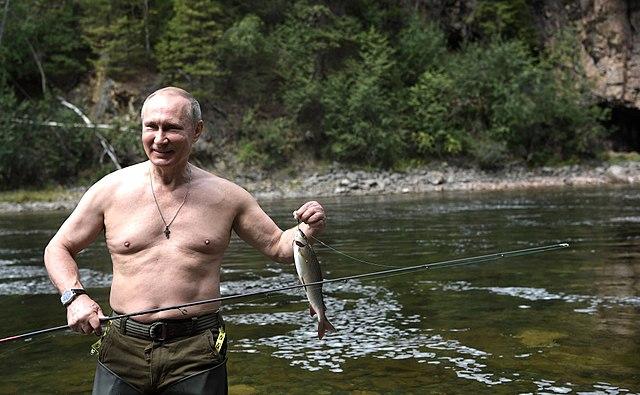 Vladimir Poutine expose plus volontiers ses muscles que sa vie privée.