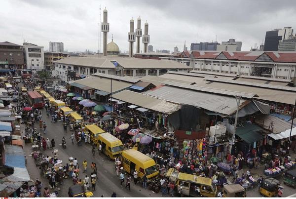 Un marché à Lagos en 2016