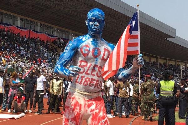 Dans le stade de Monrovia, lors de l'investiture de George Weah.