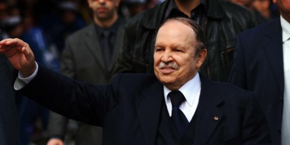 Abdelaziz Bouteflika salue le rôle de l'armée dans la préservation de l'intégrité territoriale