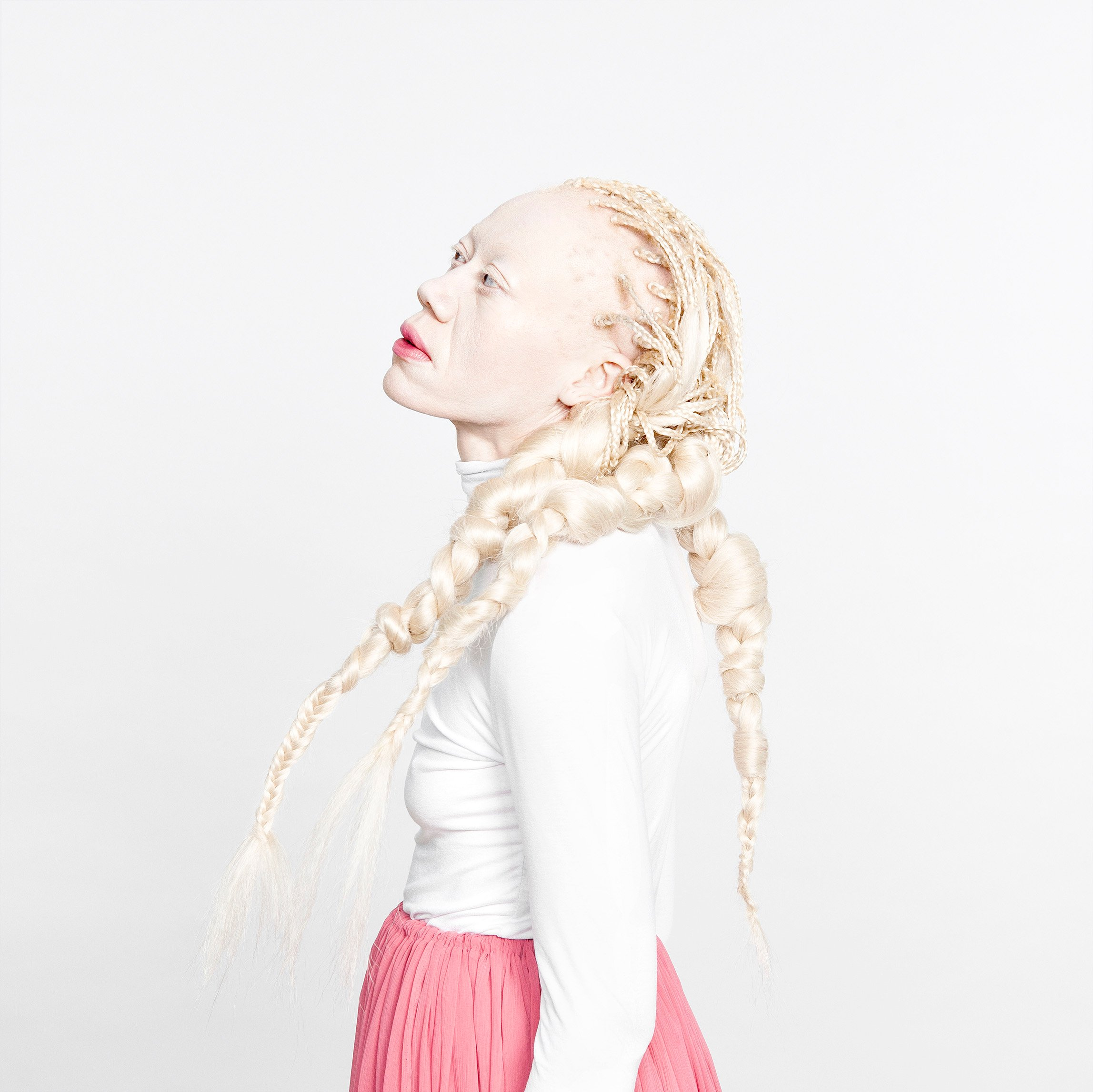 Le mannequin Anida pose pour la photographe-plasticienne Laura Bonnefous.