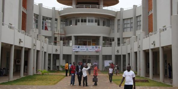 Burkina Faso 2ie L Ecole D Ingenieurs Qui Stimule L Entrepreneuriat Jeune Afrique