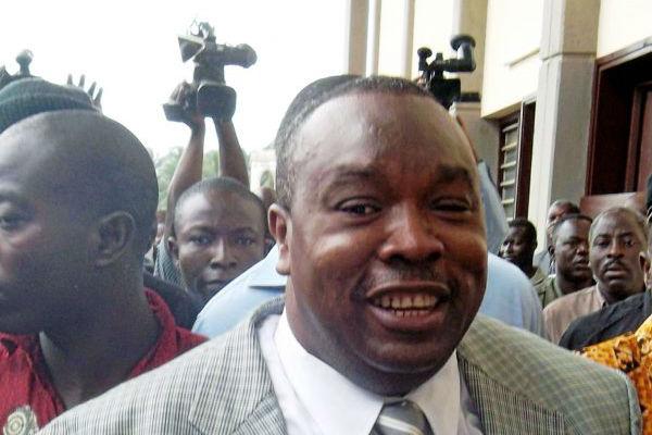 Kpatcha Gnassingbé, ancien ministre de la Défense et demi-frère du président togolais Faure Gnassingbé, arrive le 1er septembre 2011 au palais de justice de Lomé
