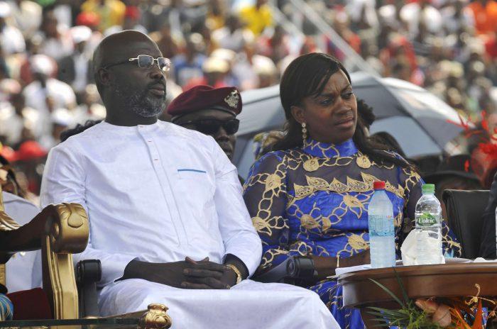Le nouveau président libérien George Weah et sa femme Clar Weah, lors de la cérémonie de passation du pouvoir à Monrovia, le 22 janvier 2018.