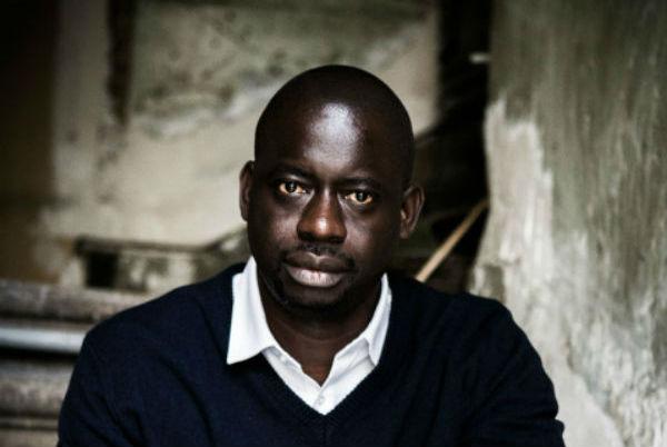 Felwine Sarr, écrivain sénégalais, est également agrégé d'économie et éditeur. À Paris, le 23 février 2016
