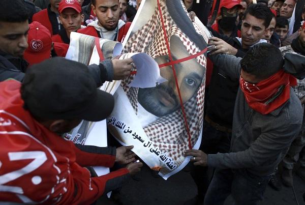 Manifestation Palestinienne contre le déménagement de l'ambassade américaine à Jérusalem. Le roi Saoudien, Ben Salman a aussi été mis à l'honneur.