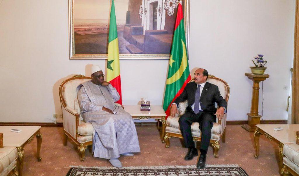 Les chefs d'État Macky Sall et Mohamed Ould Abdel Aziz à Nouakchott le 9 février 2018.