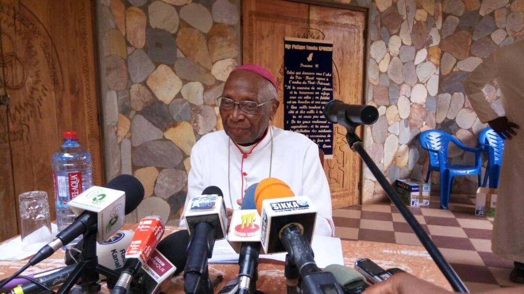 Mgr Philippe F. Kpodzro, lors de sa conférence de presse au Togo, ce mercredi 14 février 2018.