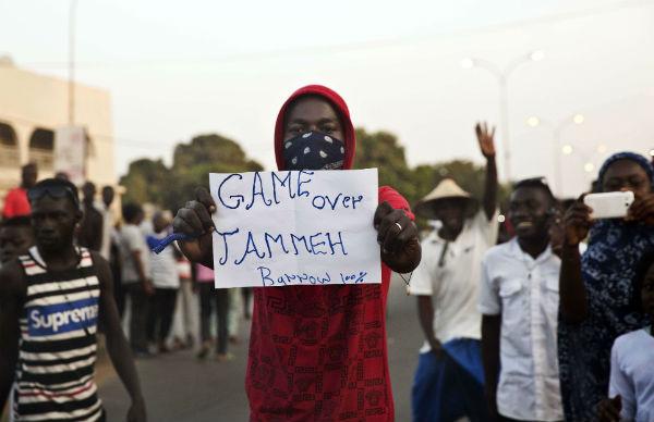 Dans les rues de Banjul, le 19 janvier 2017.