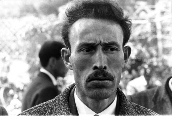 Mohamed Ben Brahim Boukharouba, dit Houari Boumédiène, alors ministre de la Défense à Alger (Algérie), en septembre 1962