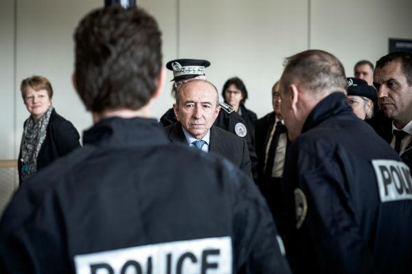 Gérard Collomb, le ministre français de l'Intérieur, L'Office Central pour la Répression de l'Immigration irrégulière et de l'Emploi d'Etrangers Sans Titre (OCRIEST).