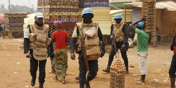 Casques bleus dans le quartier PK5 de Bangui, en février 2016.