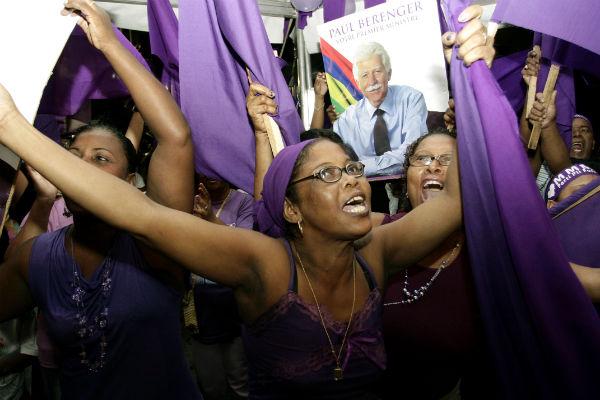 des partisans de Paul Berenger, à Port Louis en 2010, lors de la campagne électorale.