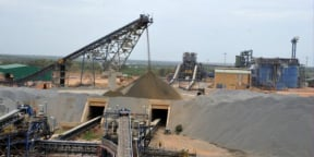 Usine de la mine d'or de Tongon, en Côte d'Ivoire, exploitée par la compagnie Randgold (devenu Barrick ; photo d'illustration).