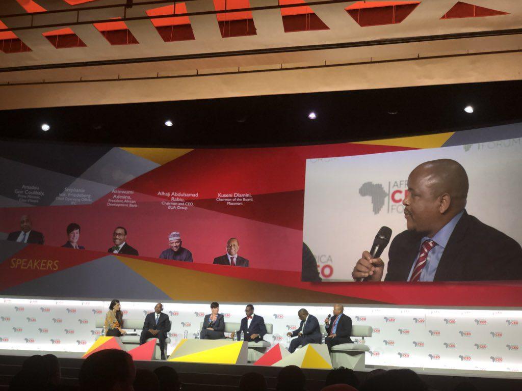Kuseni Dlamini, président de Massmart, lors de son intervention.