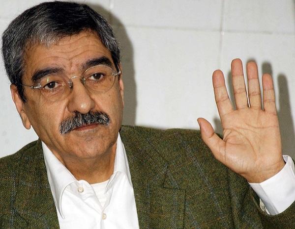 Saïd Sadi, ancien chef du Rassemblement algérien pour la culture et la démocratie, RCD, lors d'une conférence de presse à Alger, le 4 avril 2009