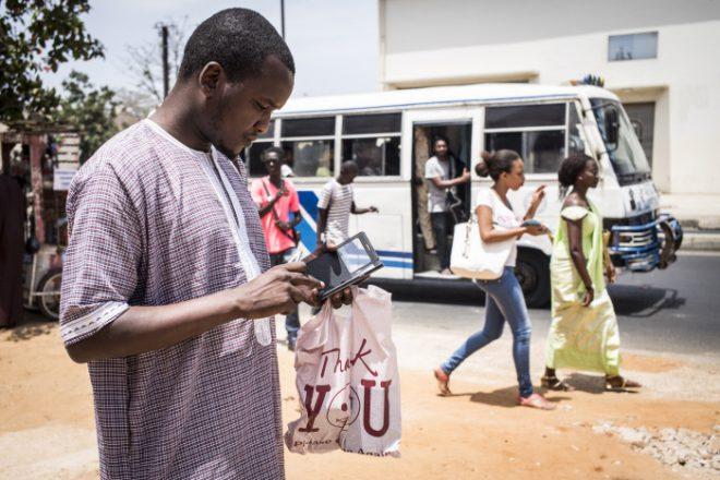http://www.jeuneafrique.com/553282/economie/telecoms-xavier-niel-yerim-sow-et-la-famille-hiridjee-rachetent-tigo-senegal/