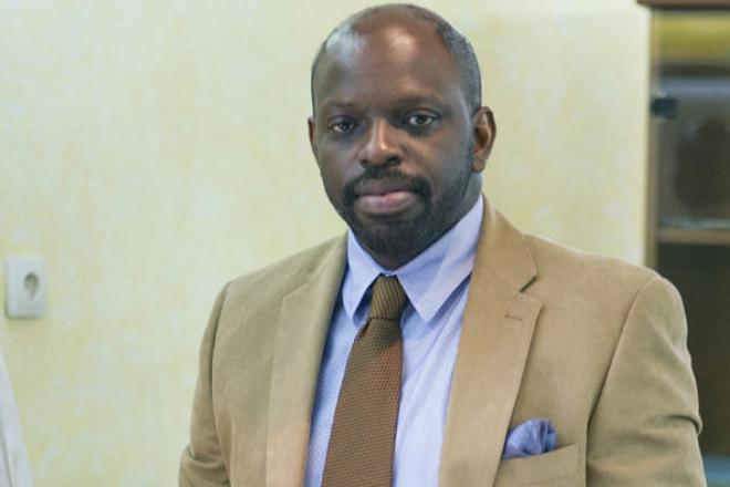 http://www.jeuneafrique.com/mag/551191/economie/dix-chose-a-savoir-sur-fabrice-andjoua-bongo-ondimba-directeur-general-du-budget-au-gabon/