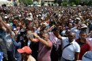 Des manifestants à Antananarivo, le 25 avril 2018.