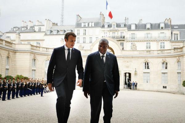 Faustin Archange Touadéra et Emmanuel Macron, le 25 septembre 2017 à l'Élysée, à Paris.