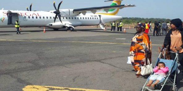 Atterrissage du vol inaugural Air Sénégal à Ziguinchor.