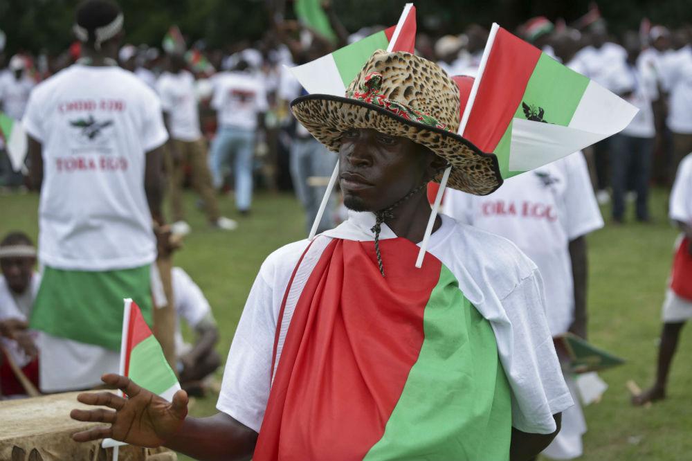 """Lors d'un meeting du CNDD-FDD en faveur du """"oui"""" au référendum constitutionnel au Burundi, le 14 mai 2018 à Bujumbura."""