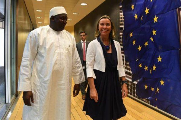 http://www.jeuneafrique.com/561517/economie/gambie-145-milliard-de-dollars-pour-poursuivre-la-transition-democratique/?utm_source=jeuneafrique&utm_medium=flux-rss&utm_campaign=flux-rss-jeune-afrique-15-05-2018