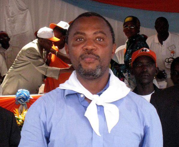 Alexis Sinduhije, candidat officiel du Mouvement pour la Solidarité et le Développement (MSD) à la Présidence lors d'une conférence en avril 2010