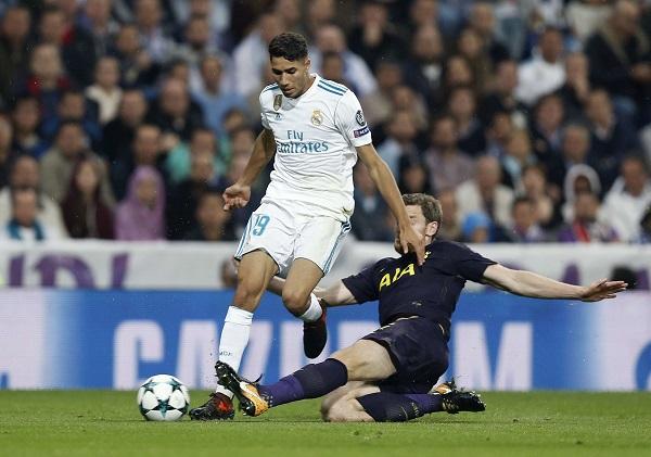 Achraf Hakimi sous le maillot du Real Madrid face à Tottenham en Ligue des champions, le 17 octobre 2017.