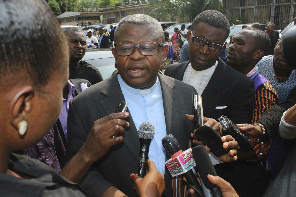 L'abbé Donatien Nshole, secrétaire général de la Cenco, en décembre 2016 pendant les négociations qui ont débouché à l'accord de la Saint-Sylvestre en RDC (photo d'illustration).