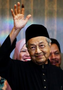 New Malaysiaís Prime Minister Mahathir Mohamad gestures during a news conference in Kuala Lumpur, Malaysia May 10, 2018. REUTERS/Lai Seng Sin - RC135F53C080