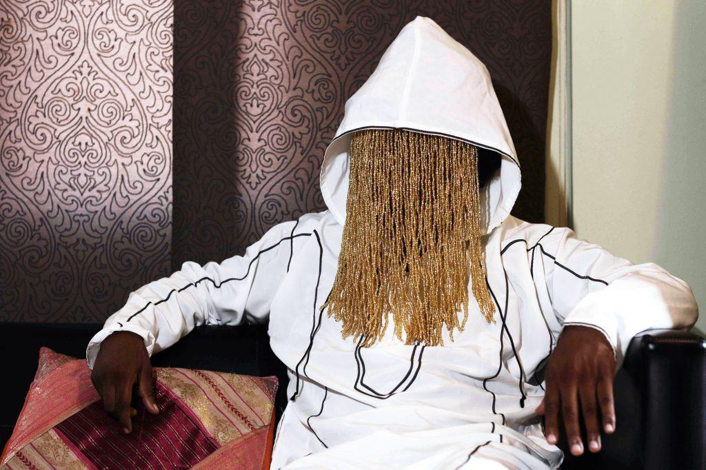 Le journaliste d'investigation Anas Aremeyaw Anas, avec qui avait travaillé Amhed Hussein, lors d'une interview, en juin, à Accra.