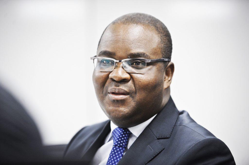 Edoh Kossi Amenounve (Togo), directeur général de la Bourse régionale des valeurs mobilières (BRVM) d'Abidjan, à Paris, le 30 septembre 2013.