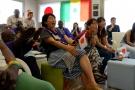 Des ressortissants japonais vivant au Sénégal, devant le match Sénégal-Japon du Mondial 2018, retransmis depuis l'ambassade du Japon à Dakar.