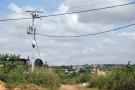 Une ligne de distribution Eneo à Douala, au Cameroun, construite en 2015.