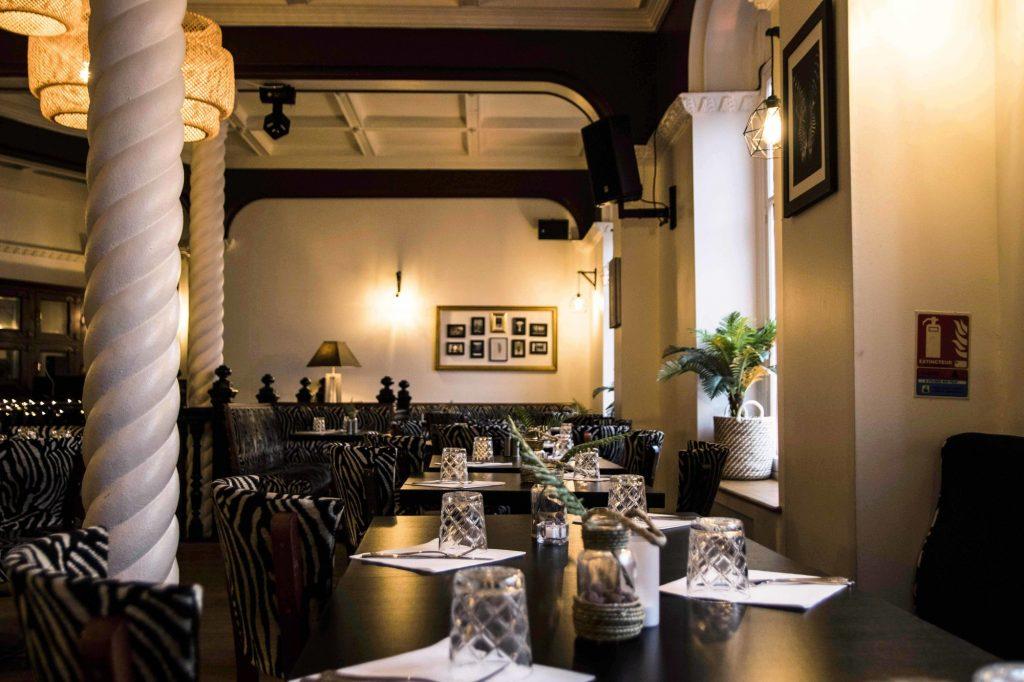 Restaurant la Villa Maasai, Paris.