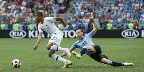 La flèche Kilian Mbappé, un des arguments chocs de l'équipe de France lors du Mondial 2018, ici face à l'Uruguay.