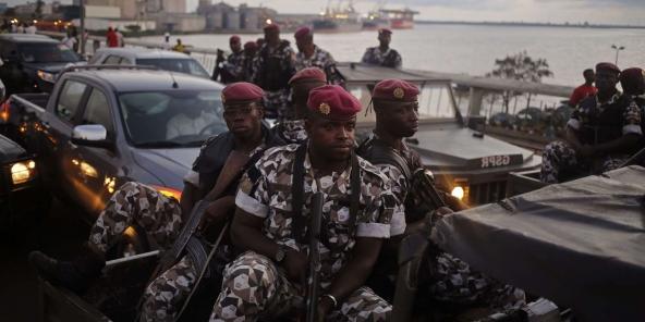 Des soldats ivoiriens à Abidjan, le 23 octobre 2015.