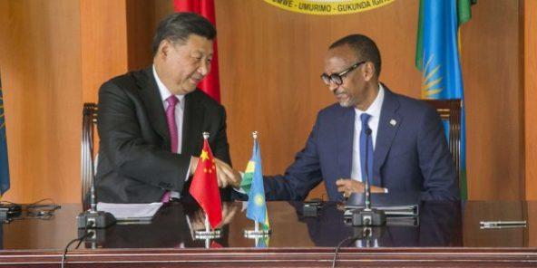 Le président chinois Xi Jinping avec son homologue Paul Kagame, à Kigali, le 23 juillet 2018.